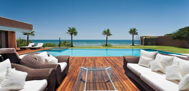 West of Marbella.Beachfront villa 9 bedrooms