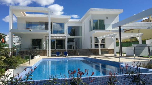 REDUCED.Nueva Andalucia west facing modern villa for sale