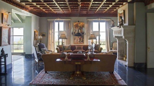 livingroomfirbplace