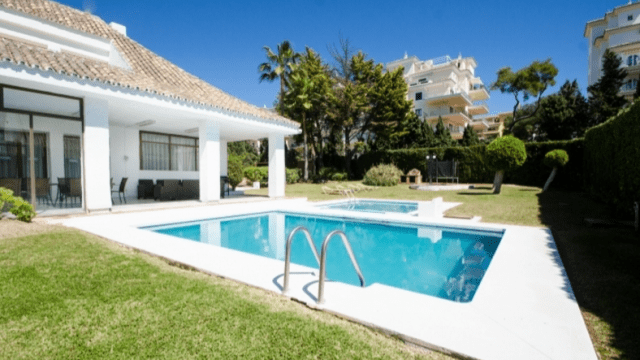 Puerto Banus holiday villas for rent short term