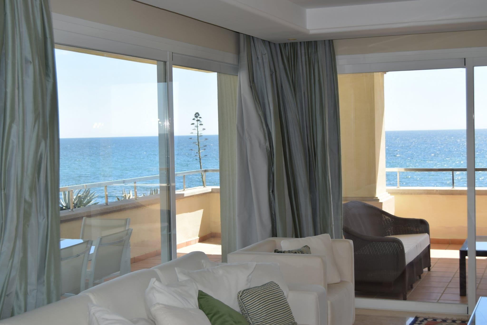 10min westlich von puerto banus 3 bett wohnung direkt am strand. Black Bedroom Furniture Sets. Home Design Ideas