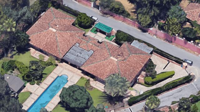 Nueva Andalucia villa on 3.668m2 plot 1st line golf