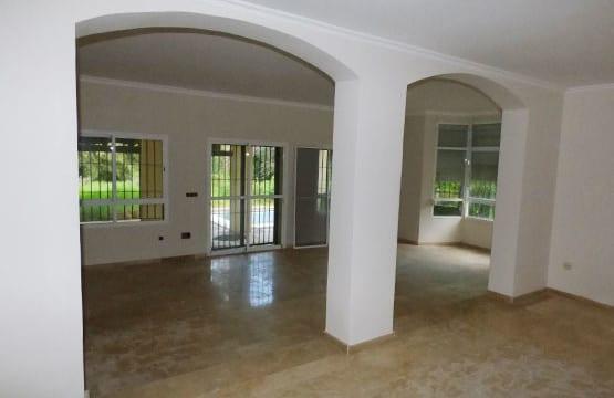 El Paraiso.Villa for sale by Spanish bank