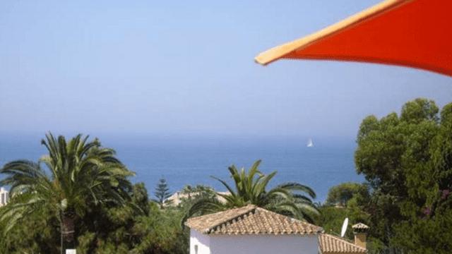 Marbella east.Beachside villa great for rentals