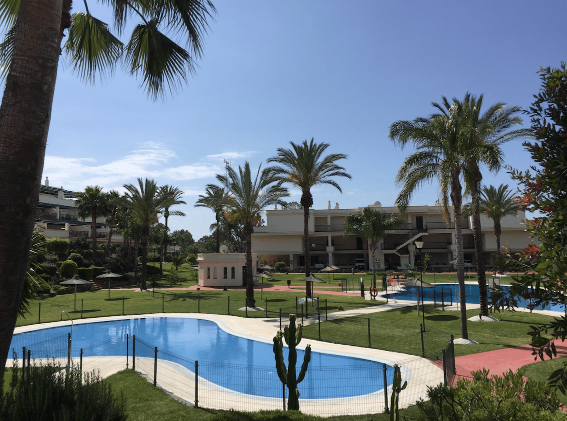 Puerto banus investment apartment with garden and pool - Puerto banus marbella ...