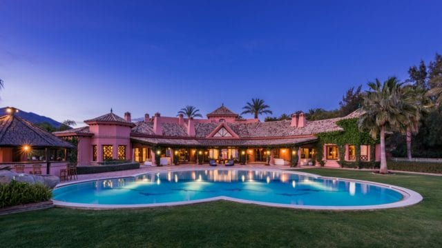 Marbella hillside Mansion in gated community