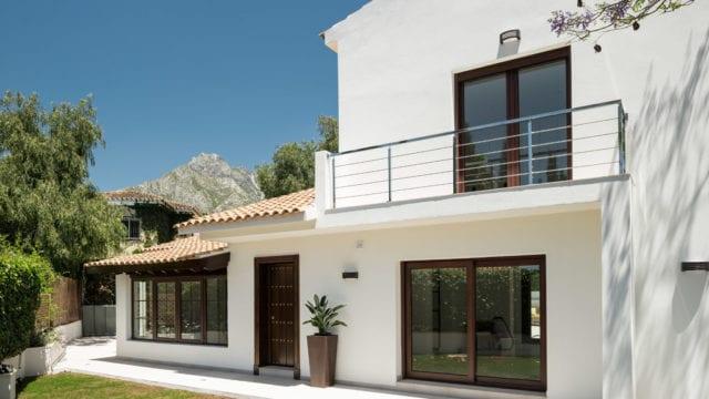 Marbella Hillside modern villa