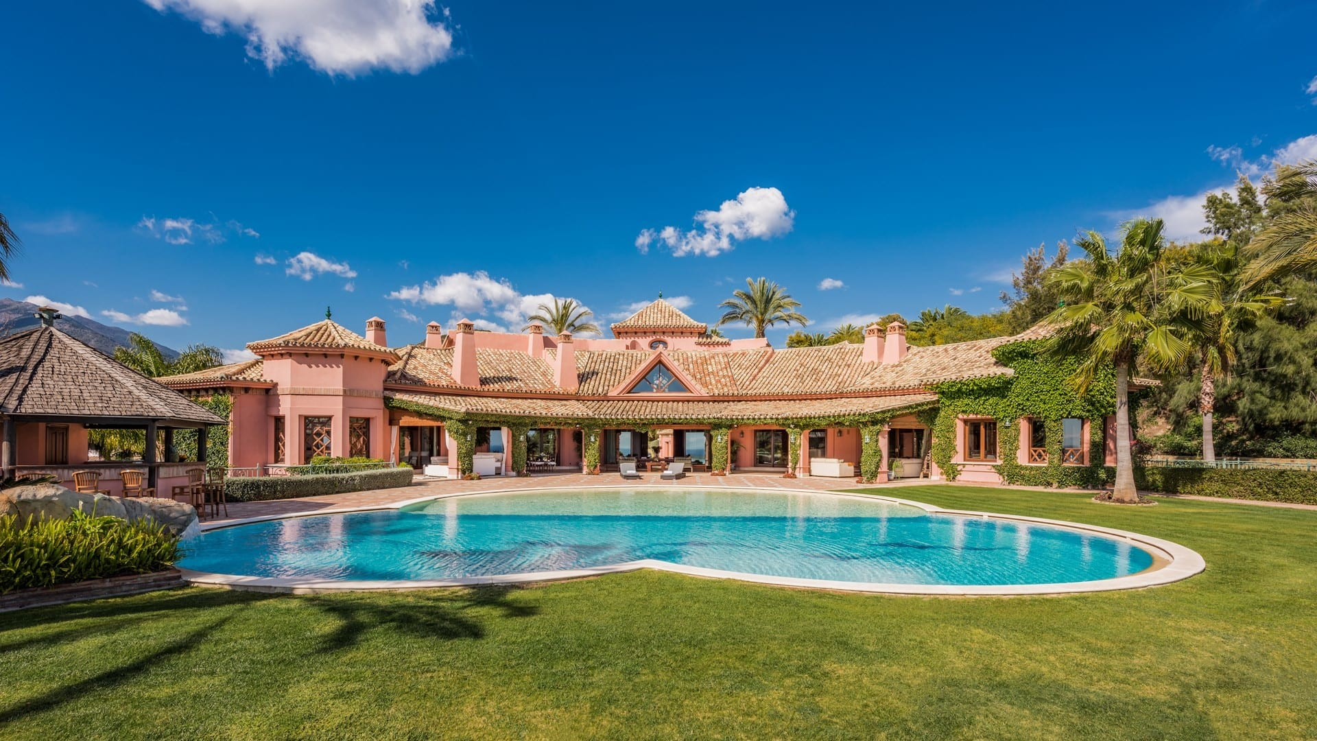 Marbella Hillside Mansion In Gated Community Agent4stars Com