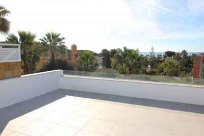 Marbella East.Beach Bungalow with sea views