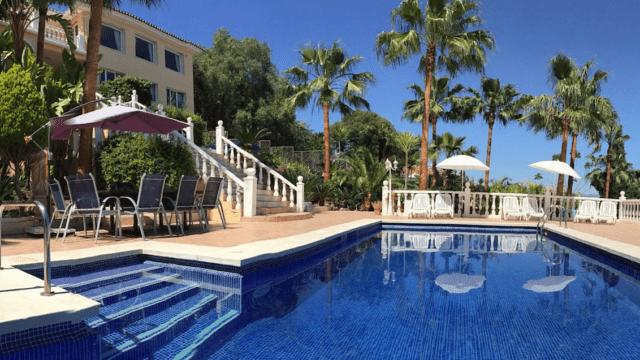 Malaga 8 bedrooms villa for rent & sale