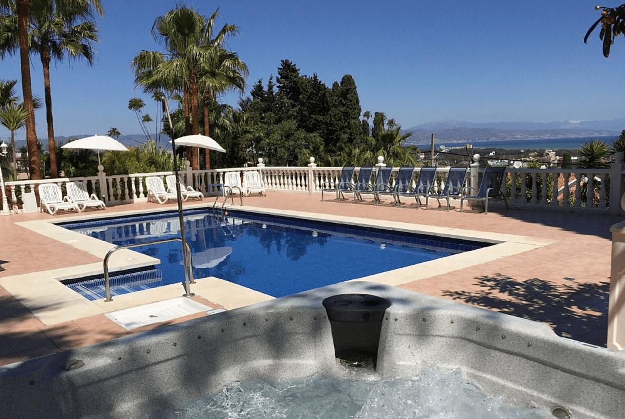Malaga 8 chambres villa louer vente for Villa malaga piscine