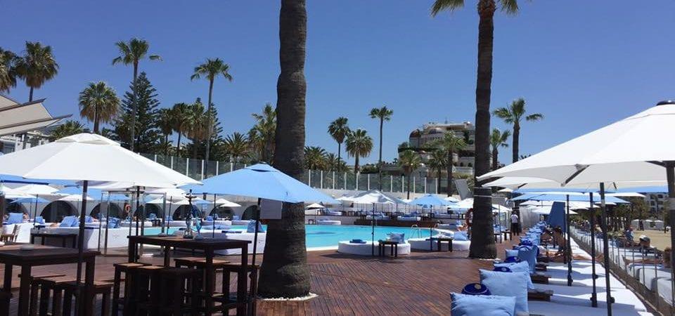 Ocean club nikki beach marbella nao piscine club laguna for Piscine marbella