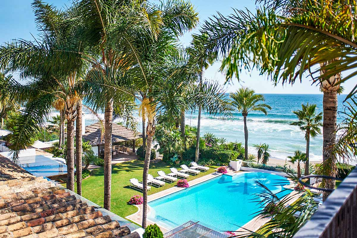 Rent villa del mar marbella golden mile - Marbella club villas ...