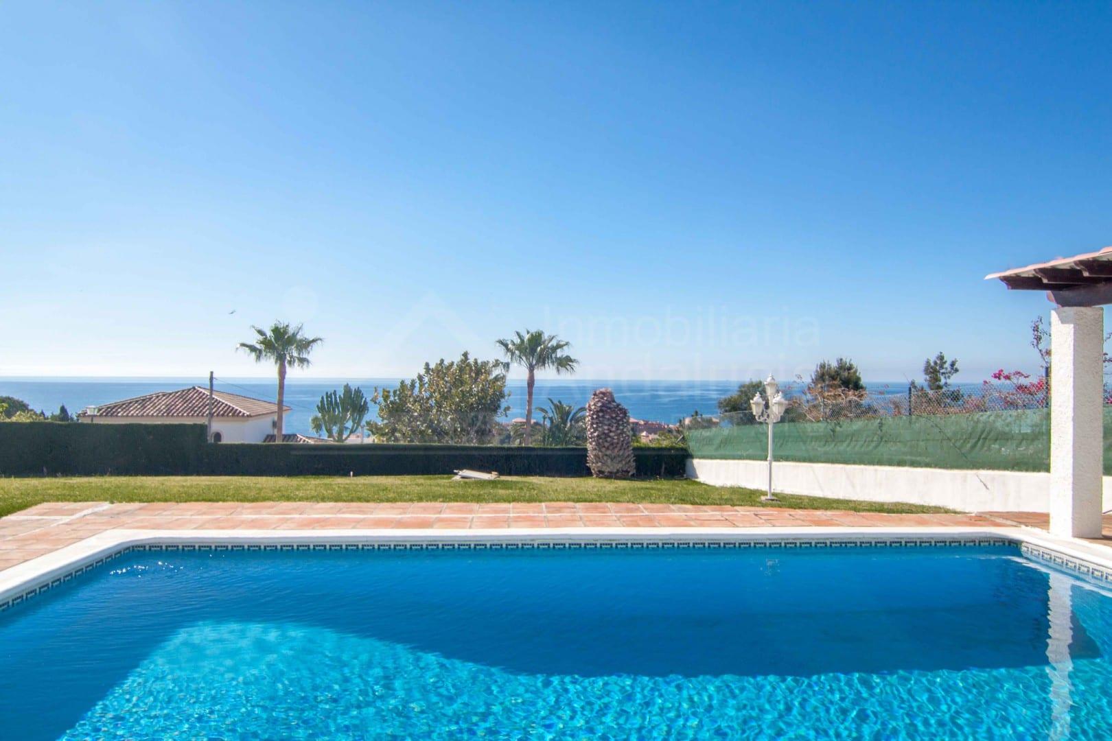 estepona 8 villa de chambre avec vue sur la mer. Black Bedroom Furniture Sets. Home Design Ideas