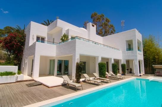 Marbella East.Modern villa near beach with lift