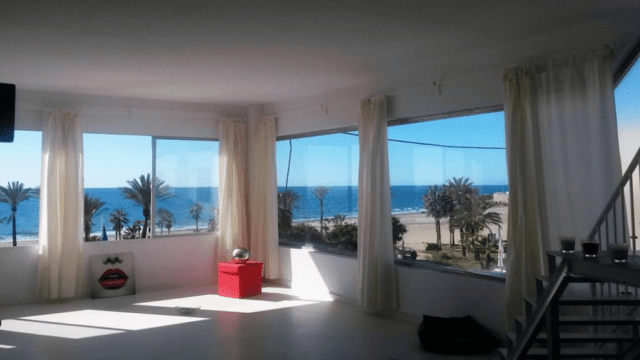 Bargain Marbella Penthouse 1st line beach only €235.000