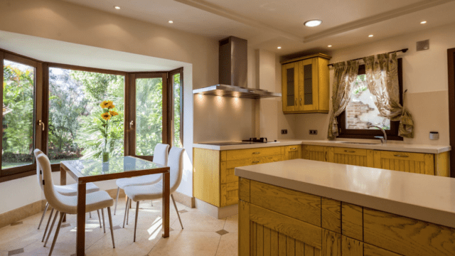 Golden mile Marbella 5bed villa in gated community