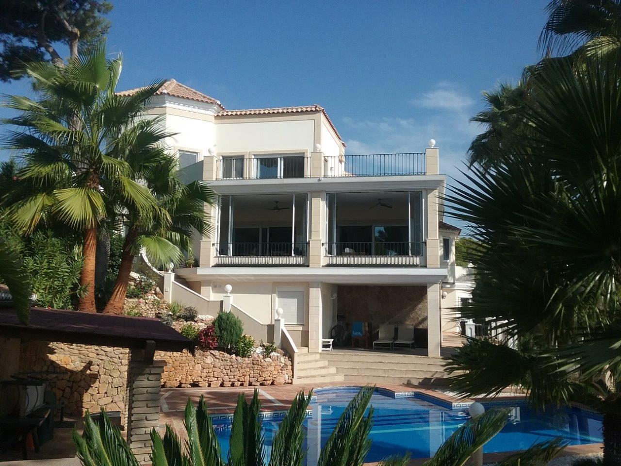Marbella est villa de luxe vendu par la banque for Villa de luxe canada