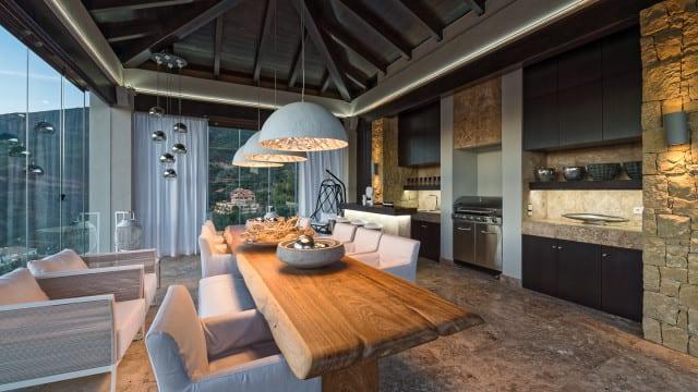 mansion-la-zagaleta-kitchen-640x360