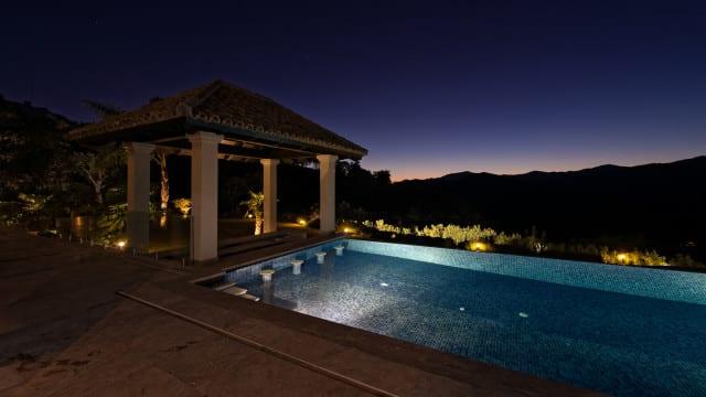 mansion-la-zagaleta-pool-640x360