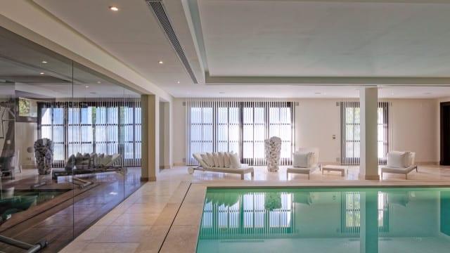 mansion-la-zagaleta-pool-indoor-640x360