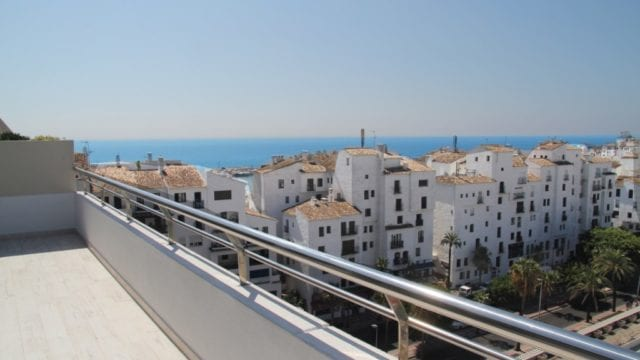 Puerto Banus Penthouse with sea views and 70m2 terrace