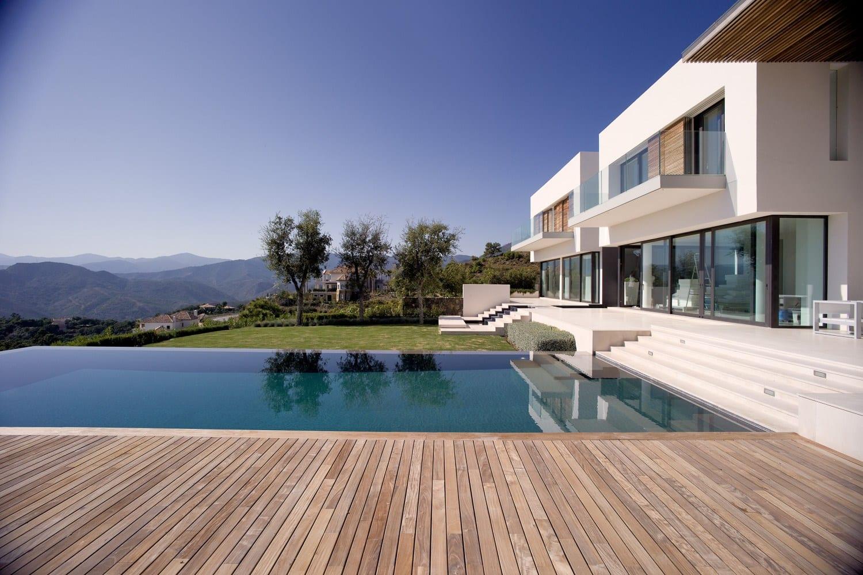 La zagaleta villa moderne sur terrain lev des vues for Villa moderne 2016