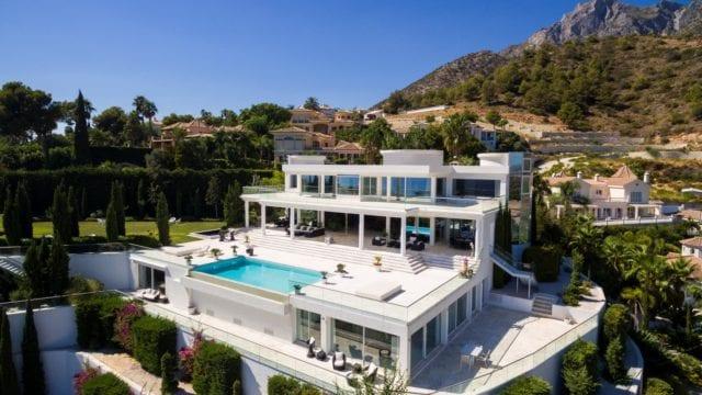 Marbella hillside 7 bedroom villa for rent from € 2750 per night