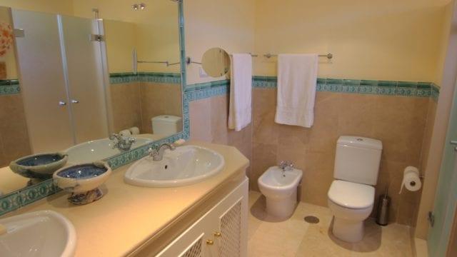 15 Master bathroom s