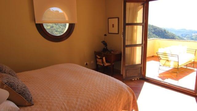 19 Guest bedroom s