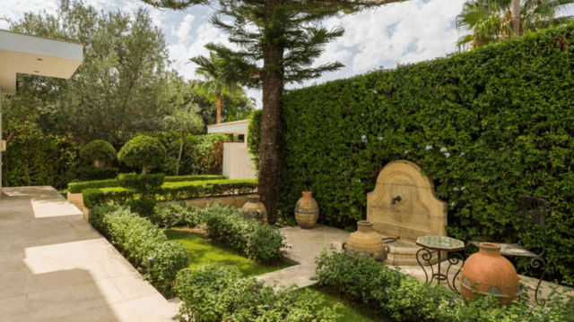 Nueva Andalucia villa for sale in gated community