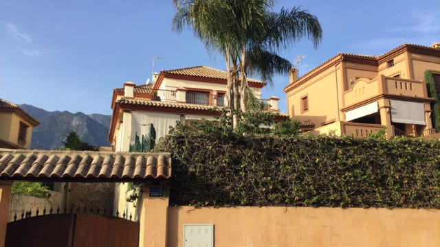 Bargain.Marbella villa for sale with lift