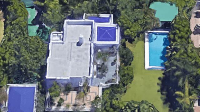 Marbella hillside villa with tropical garden