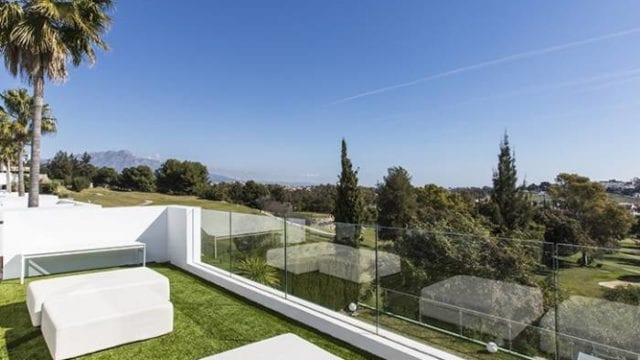 Benahavis modern villa with Golf and sea views, gated community