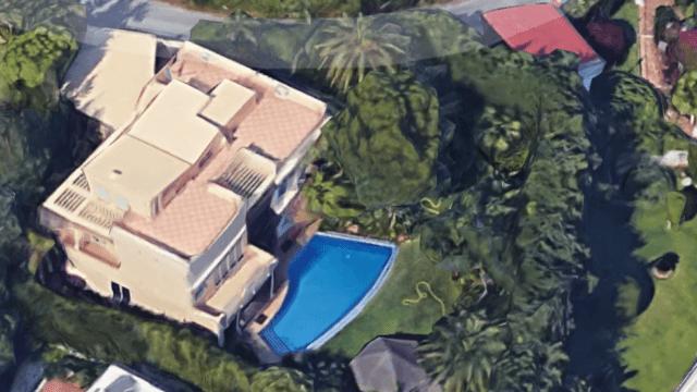 Puerto Banus only 5 min walk from this villa