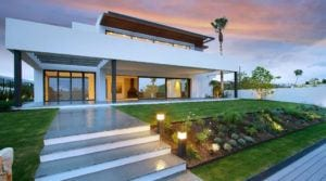 Benahavis – Modern villa for sale 1st line Golf