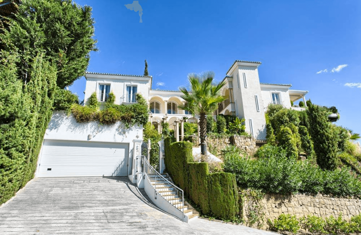 Benahavis Villa With Sea Views For Sale In Gated
