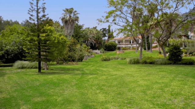 Golden Mile older Villa to reform on large sea view plot