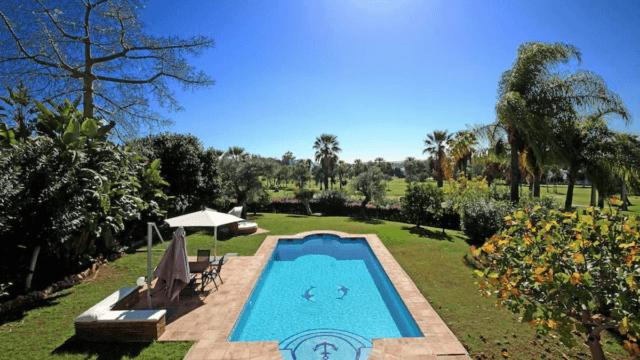 Nueva Andalucía Luxury villa with Golf & Sea Views