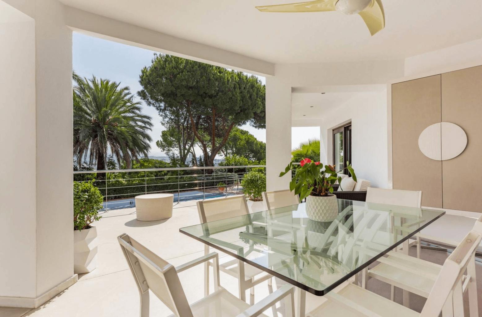 nueva andalucia modern villa with roof terrace. Black Bedroom Furniture Sets. Home Design Ideas
