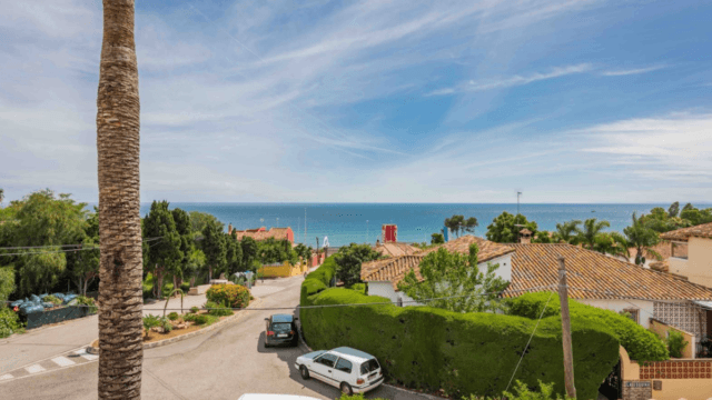 BARGAIN Marbella villa for sale with sea views