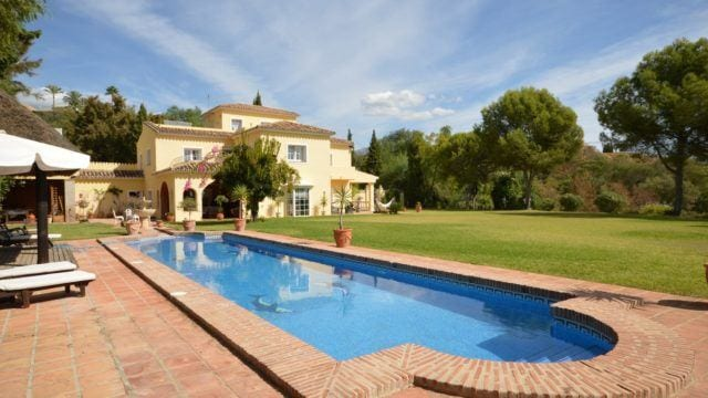 Country style Marbella home on 6000m2 plot