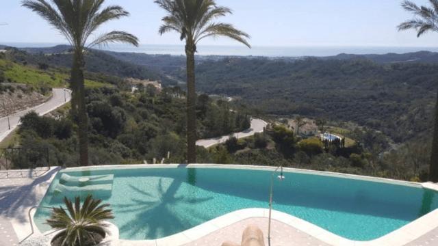 Montemayor villa with perfect panoramic Sea views