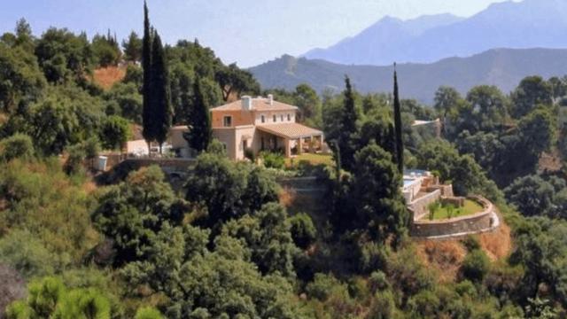 El Madroñal Andalucian Villa for sale.12,960 m² plot sea views