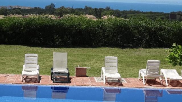 Reduced – Elviria Contemporary villa with sea views & large plot