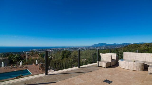 Sierra Blanca villa for sale great sea views.