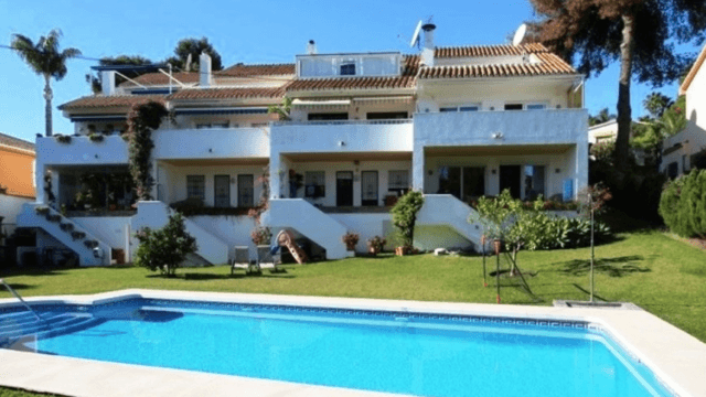 Puerto Banus townhouse 3bed with huge garden