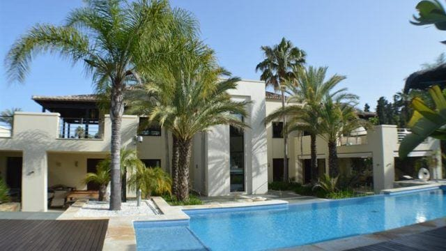 Near Puerto Banus, luxury villa for sale & rent