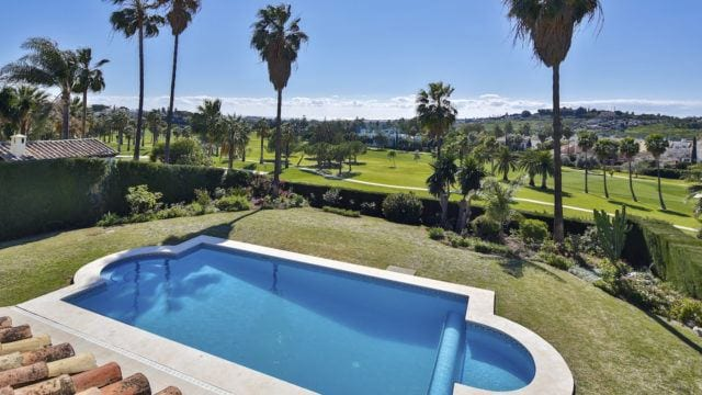 Nueva Andalucia 1st line Golf villa for sale