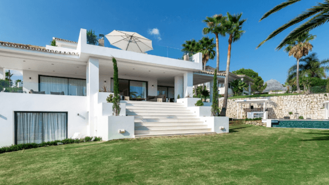 Nueva Andalucia modern villa for sale
